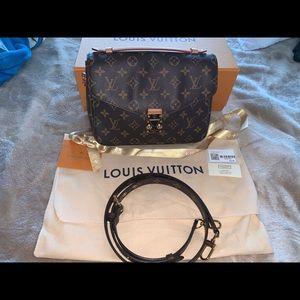 Louis Vuitton Pochette Métis